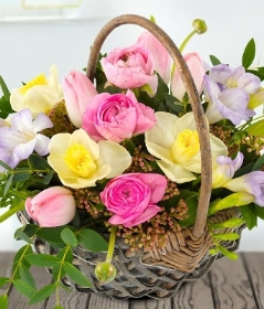 Pretty Spring Basket *